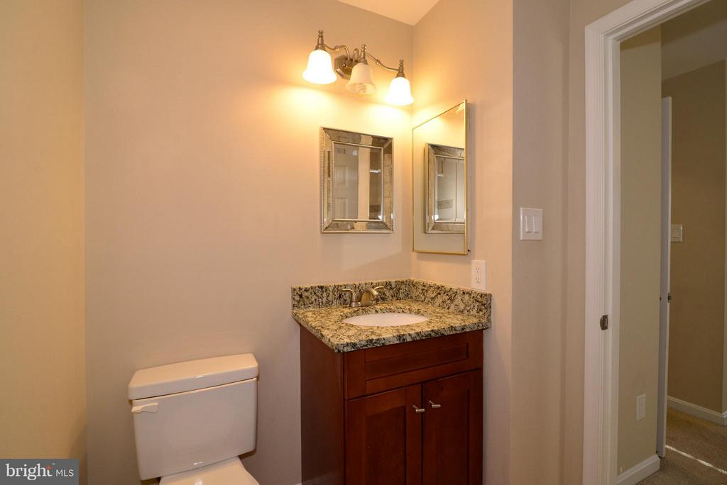 Bath (Master) - 2221 LOVEDALE LN #212B, RESTON