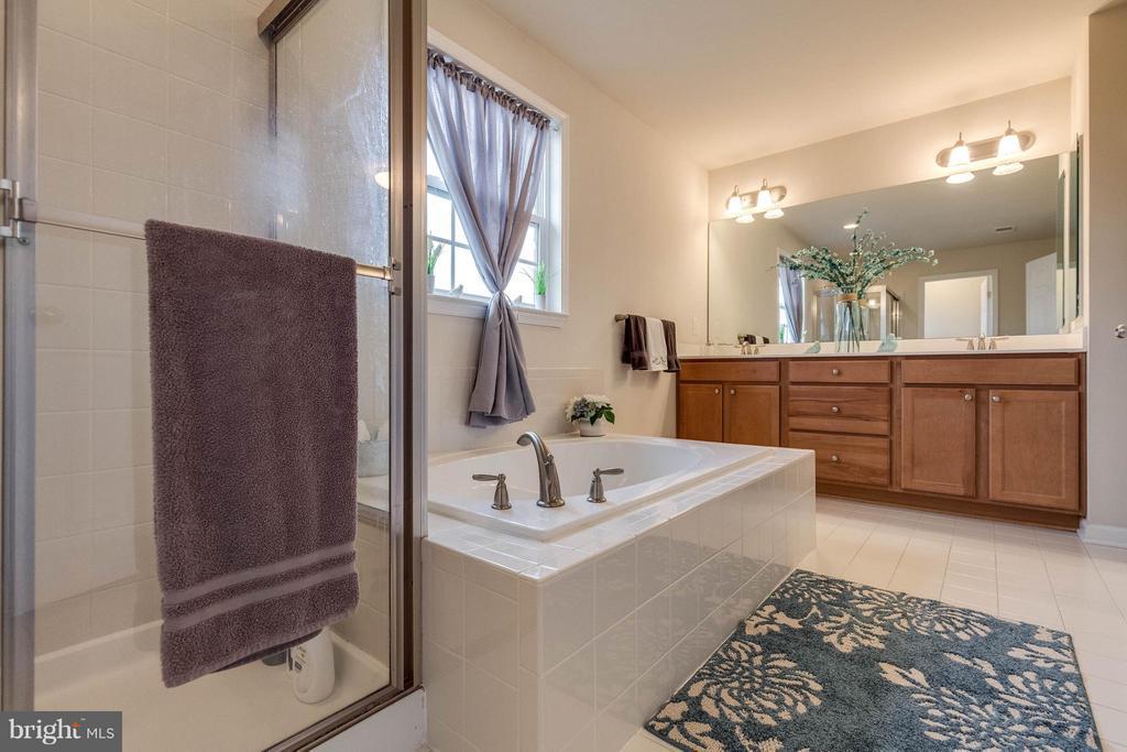 Bath (Master) - 5504 DOUBS RD, ADAMSTOWN