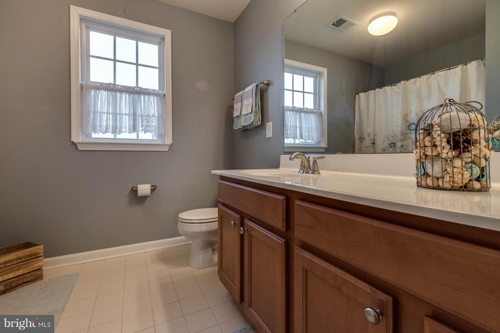 FULL BATH - 5504 DOUBS RD, ADAMSTOWN