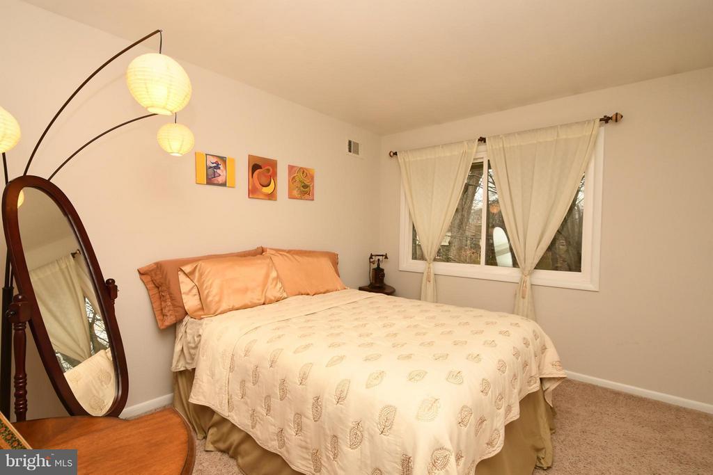 Bedroom 2 - 10516 ARROWOOD ST, FAIRFAX