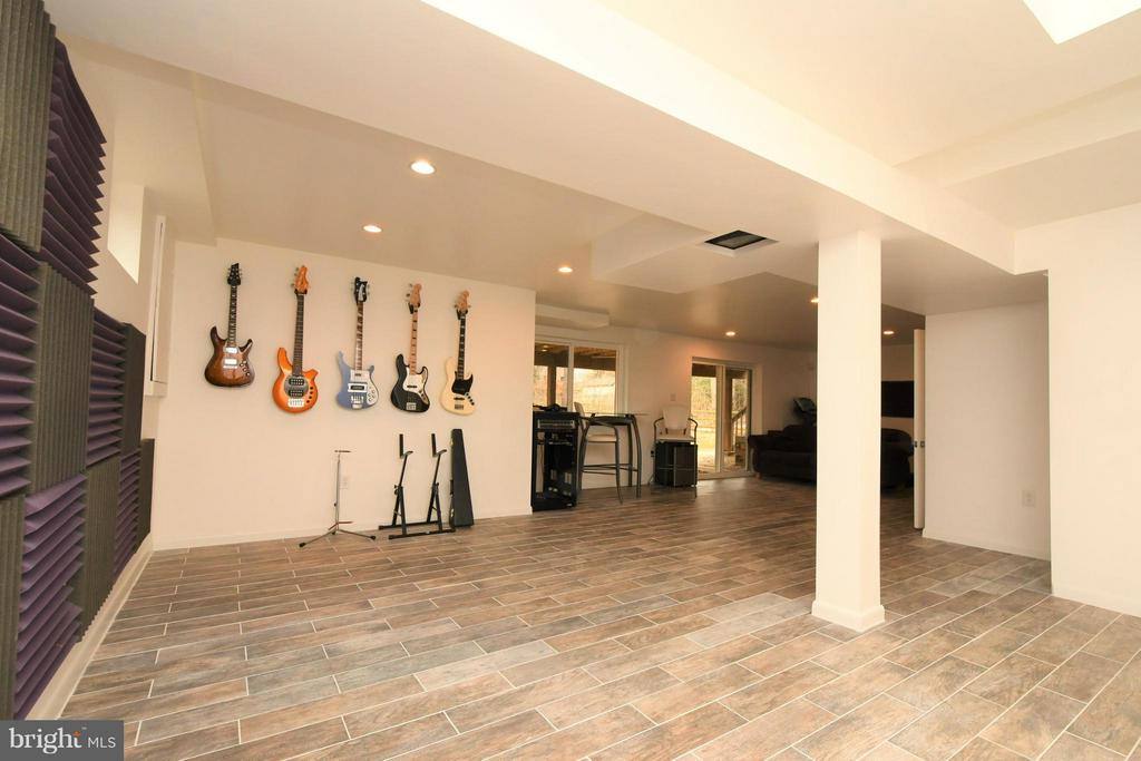 Lower Level Recreation Room/Sound proof walls - 10516 ARROWOOD ST, FAIRFAX