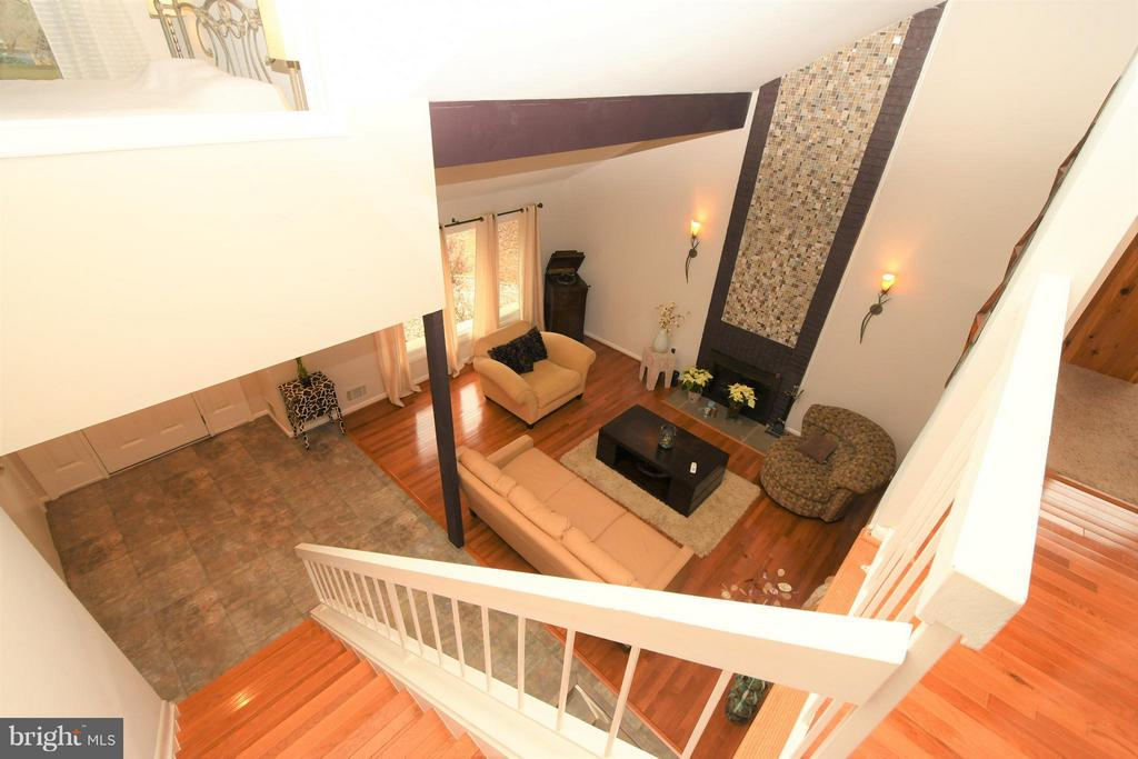Living Room View/Upstairs hall - 10516 ARROWOOD ST, FAIRFAX