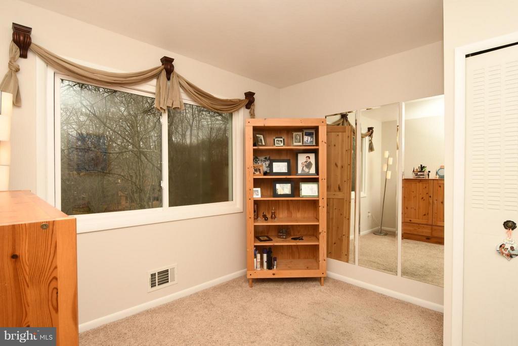 Bedroom 3 - 10516 ARROWOOD ST, FAIRFAX