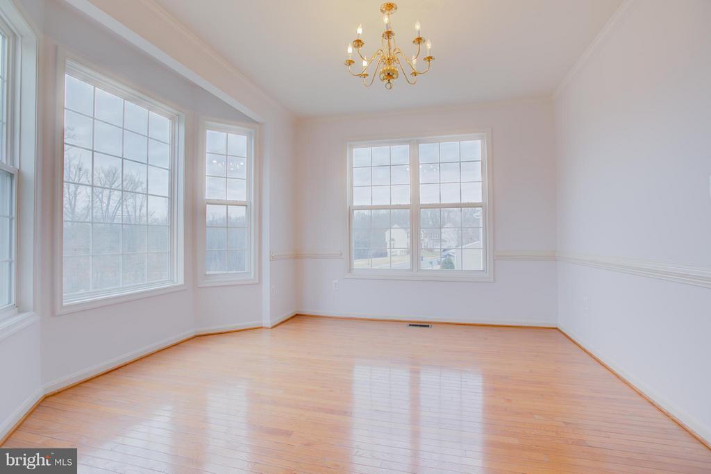 Dining Room with Bay window - 31 LANDMARK DR, STAFFORD