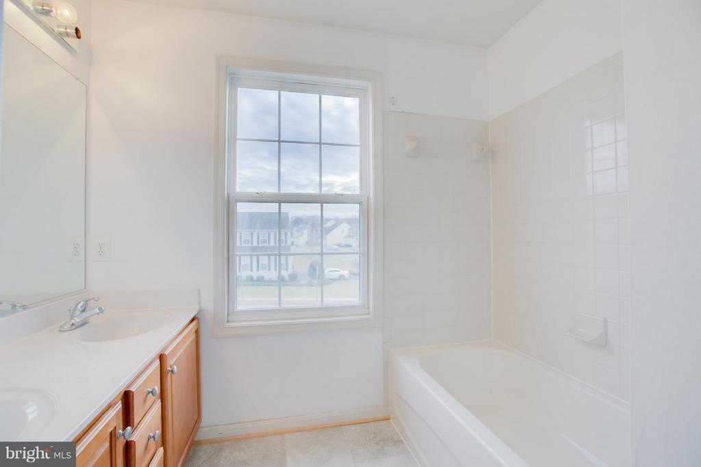 Upstairs hall bath with new flooring - 31 LANDMARK DR, STAFFORD