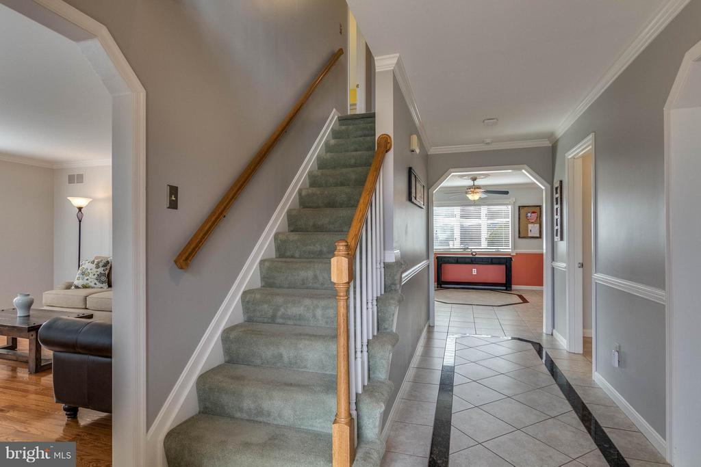 FOYER - 17314 PINK DOGWOOD CT, MOUNT AIRY