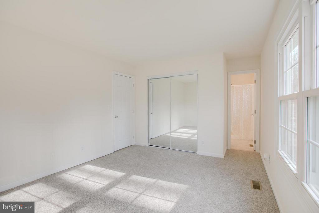 Lots of natural light & brand new carpet. - 112 COAL LANDING RD, STAFFORD