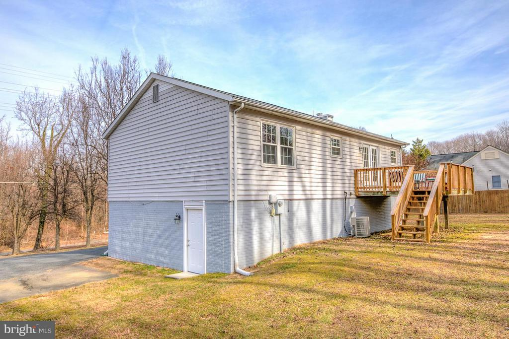 Large backyard to entertain. - 112 COAL LANDING RD, STAFFORD