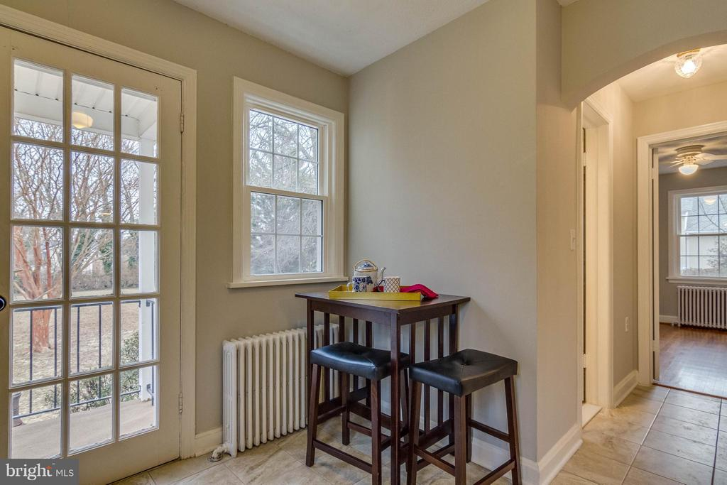 Eat in space in kitchen - 350 ORCHARD DR, PURCELLVILLE