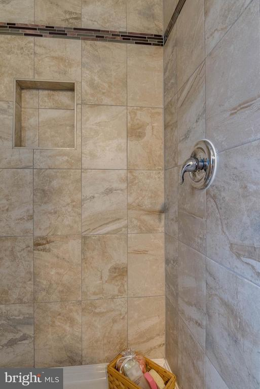 Added on shower to main level bath - 350 ORCHARD DR, PURCELLVILLE
