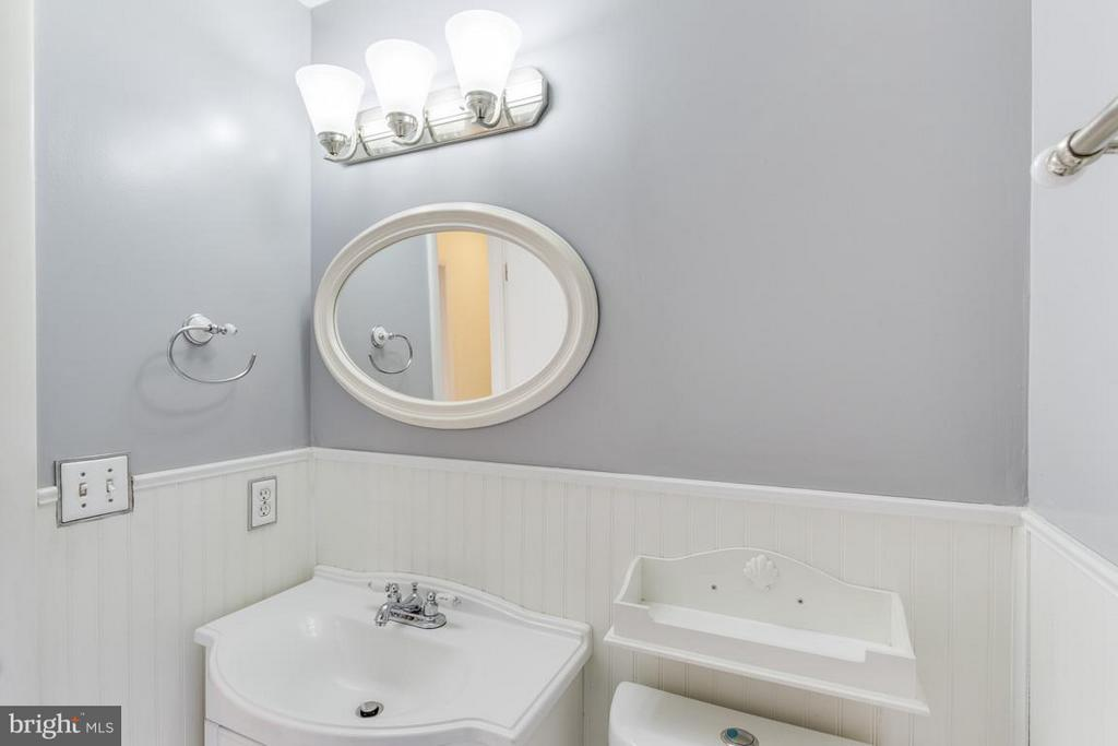 3rd Bath - 2401 WITTINGTON BLVD, ALEXANDRIA