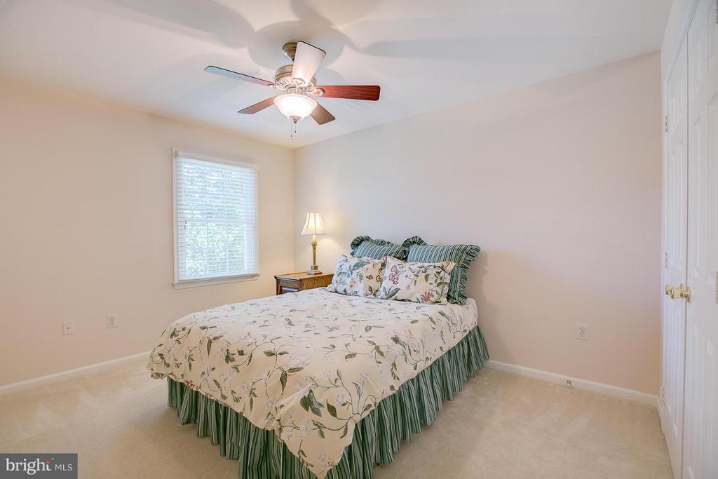 Bedroom #3 Upper Level - 7 NEVILLE CT, STAFFORD