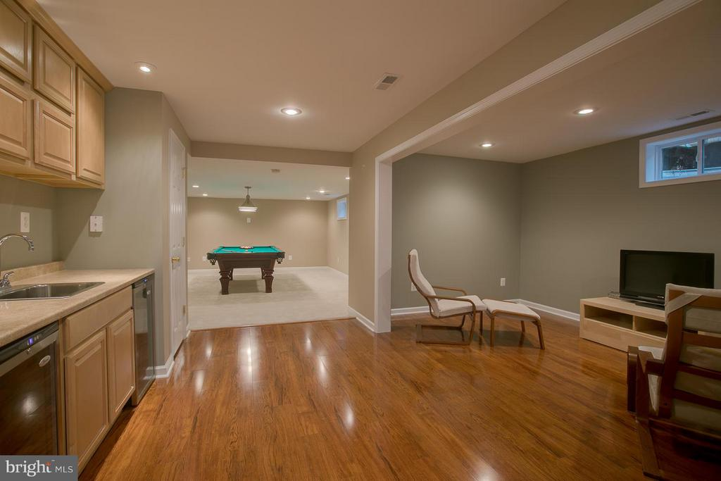 Exceptional Basement Space, You Will LOVE it! - 7 NEVILLE CT, STAFFORD