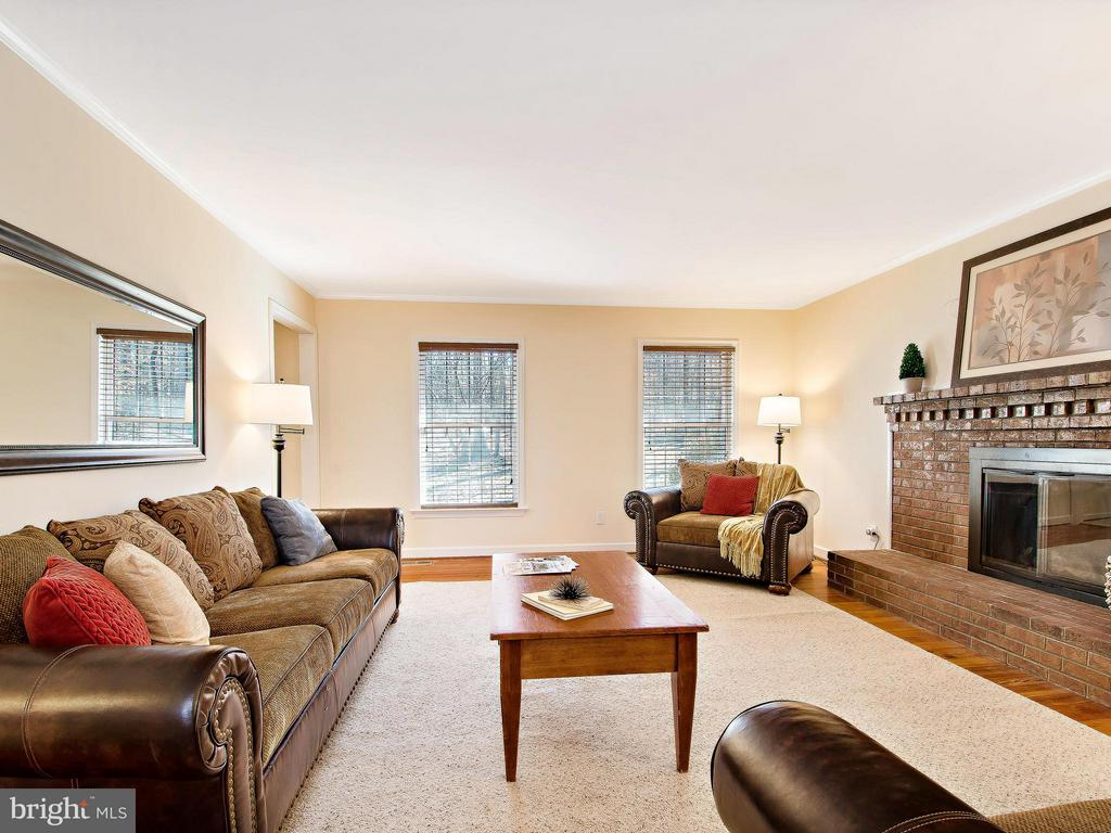 Light Filled Family Room with 2nd Fireplace - 9830 QUAIL RUN CT, FAIRFAX STATION
