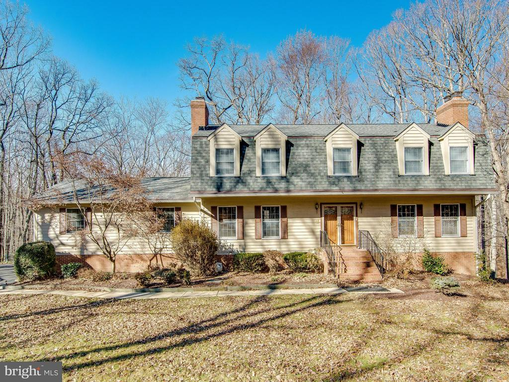 Stunning Colonial on 5 private Acres - 9830 QUAIL RUN CT, FAIRFAX STATION