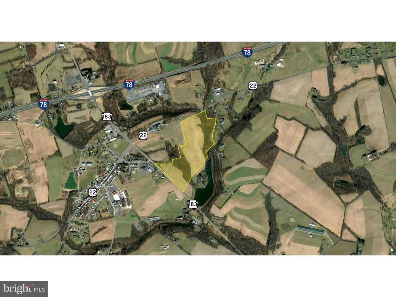Casa Unifamiliar por un Venta en 6501 OLD ROUTE 22 Bernville, Pennsylvania 19506 Estados Unidos