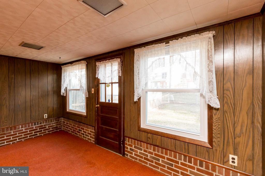 Family Room - 326 SHENANDOAH ST SE, LEESBURG
