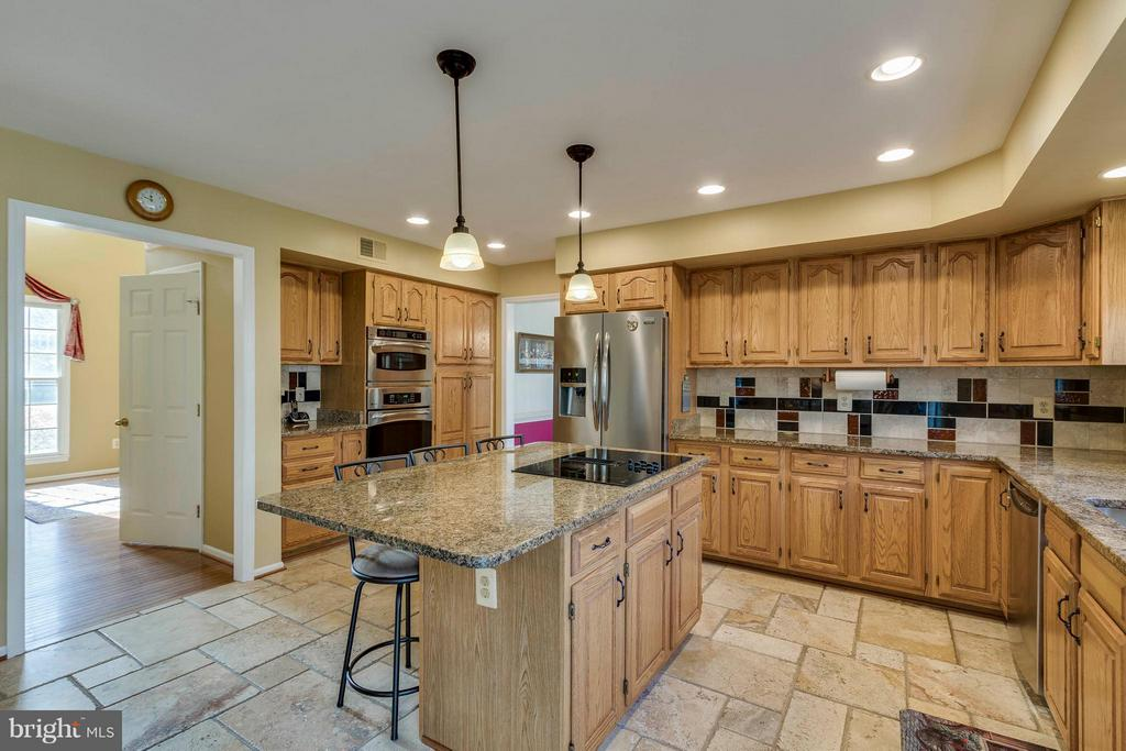 Kitchen - 20662 ASHLEAF CT, STERLING