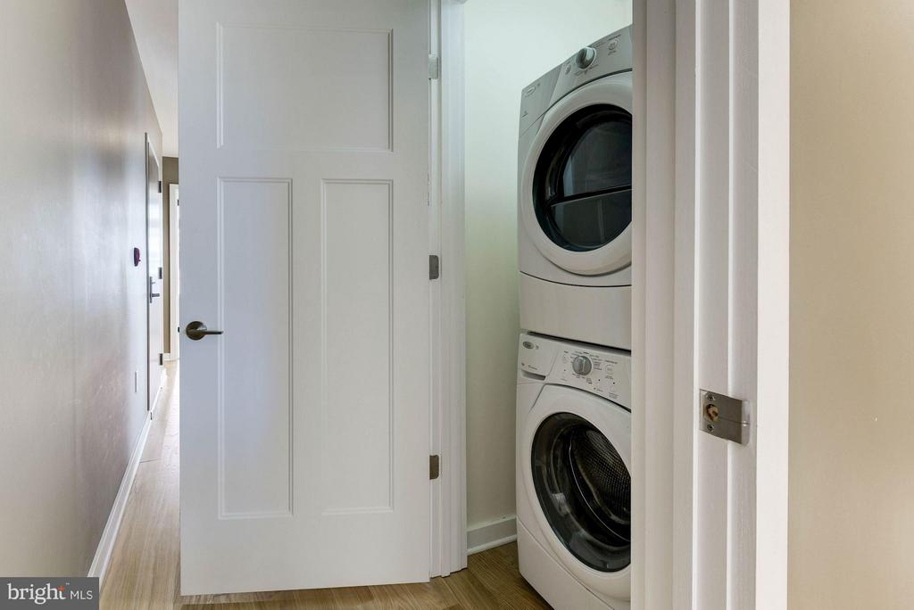 Laundry with Bosch Washer/Dryer - 1610 QUEEN ST #215, ARLINGTON