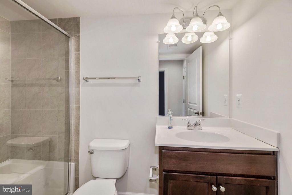 Bathroom #3 - 6206 ROYAL CREST LN, ALEXANDRIA