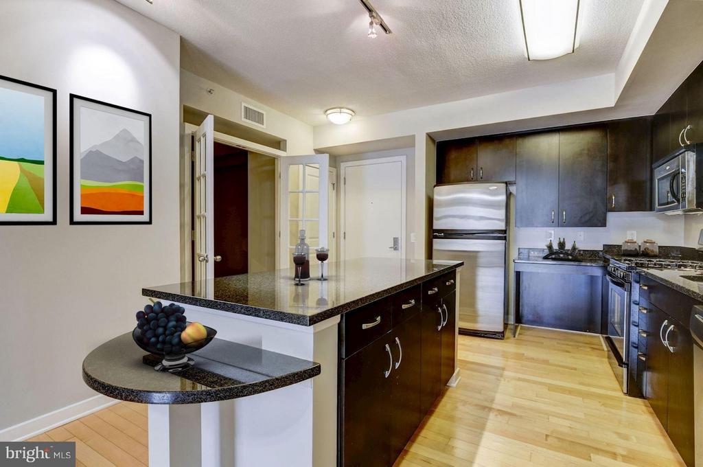 Kitchen (2 of 3) - 475 K ST NW #505, WASHINGTON