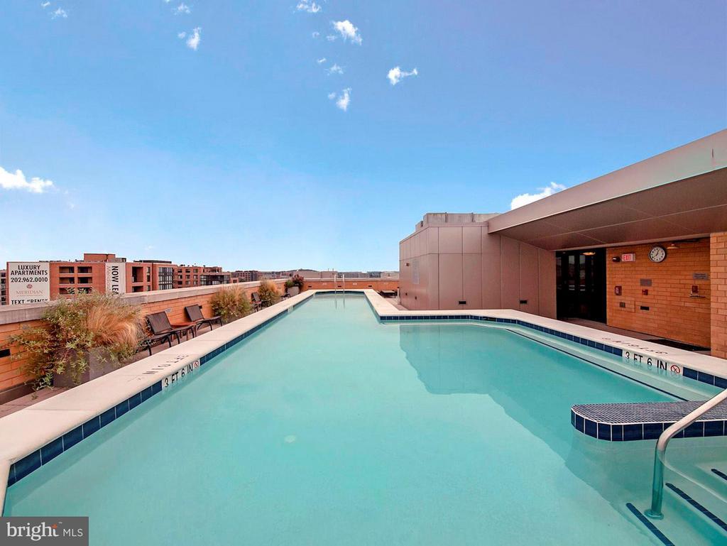 Rooftop Pool - 475 K ST NW #505, WASHINGTON