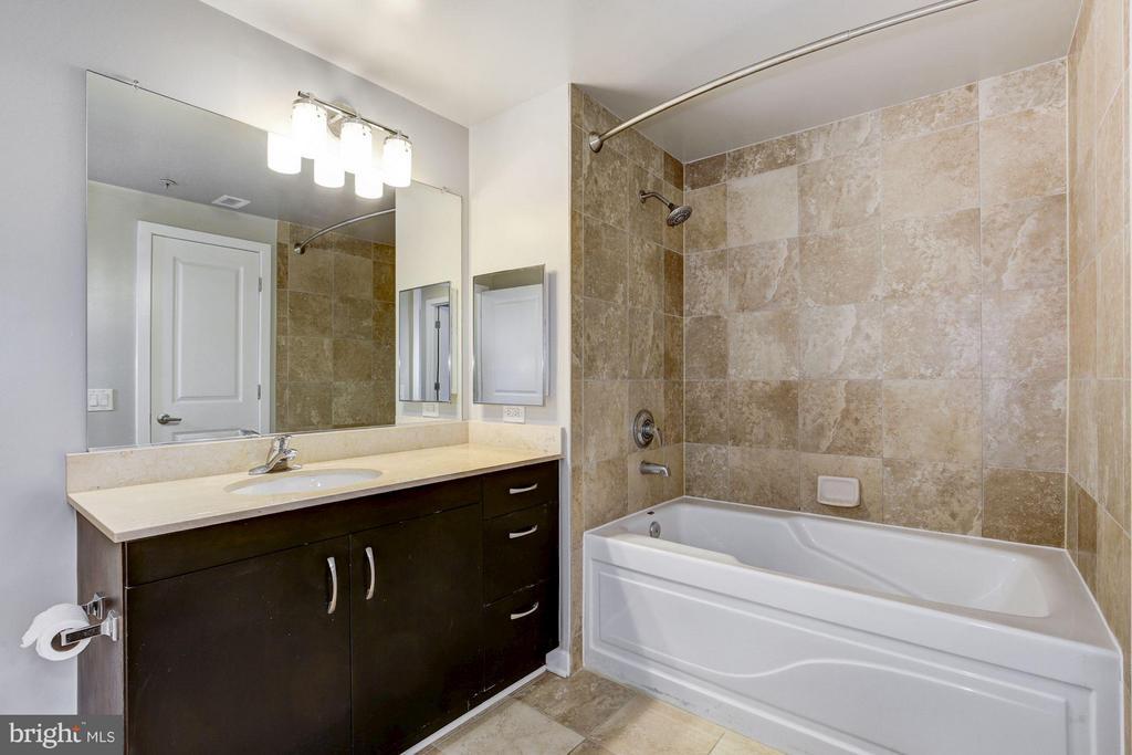 Bathroom - 475 K ST NW #505, WASHINGTON