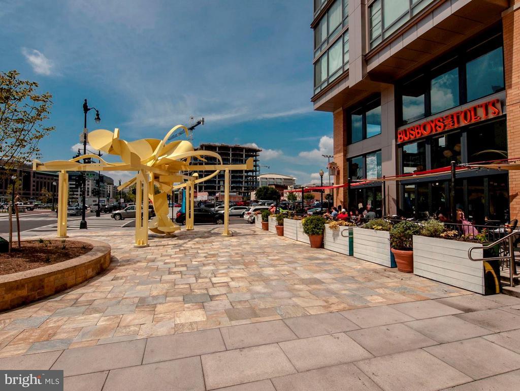 CityVista's Retail includes Busboy & Poets - 475 K ST NW #505, WASHINGTON