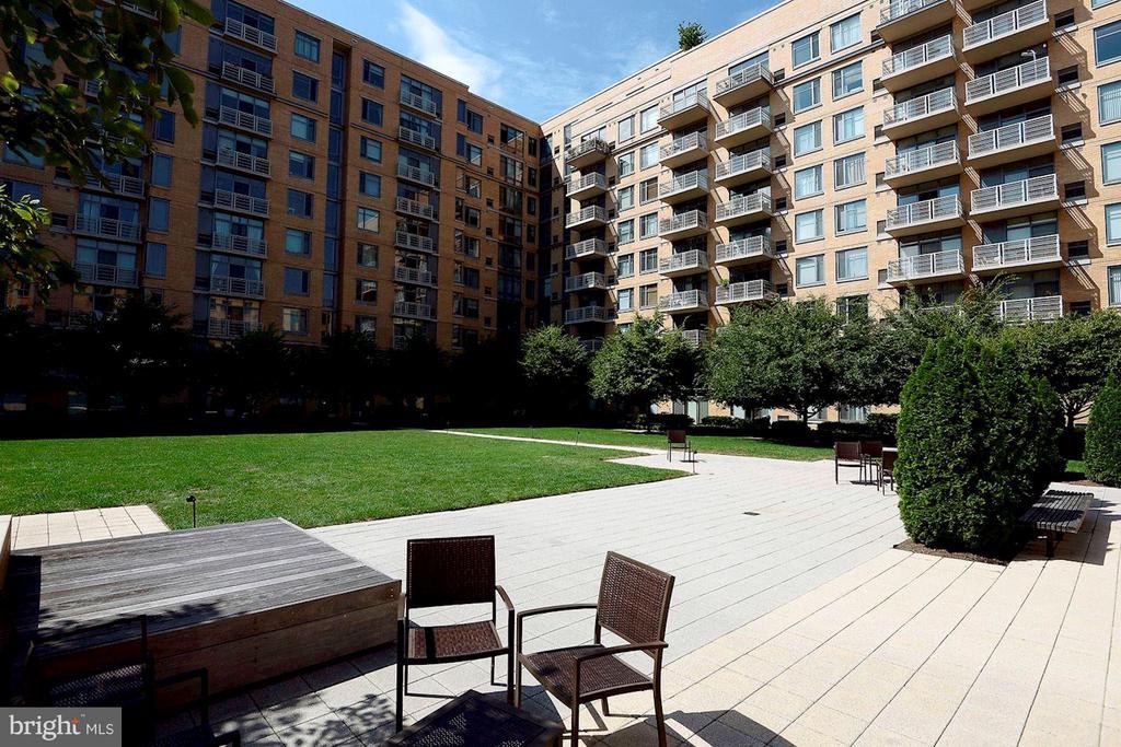 Vista Green - CityVista's Exclusive 1-acre private - 475 K ST NW #505, WASHINGTON