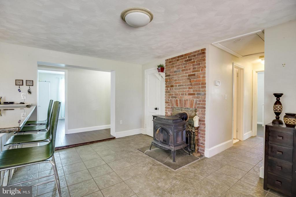 Wood Stove in Kitchen/Dining Room - 4017 COLONIAL AVE, ALEXANDRIA