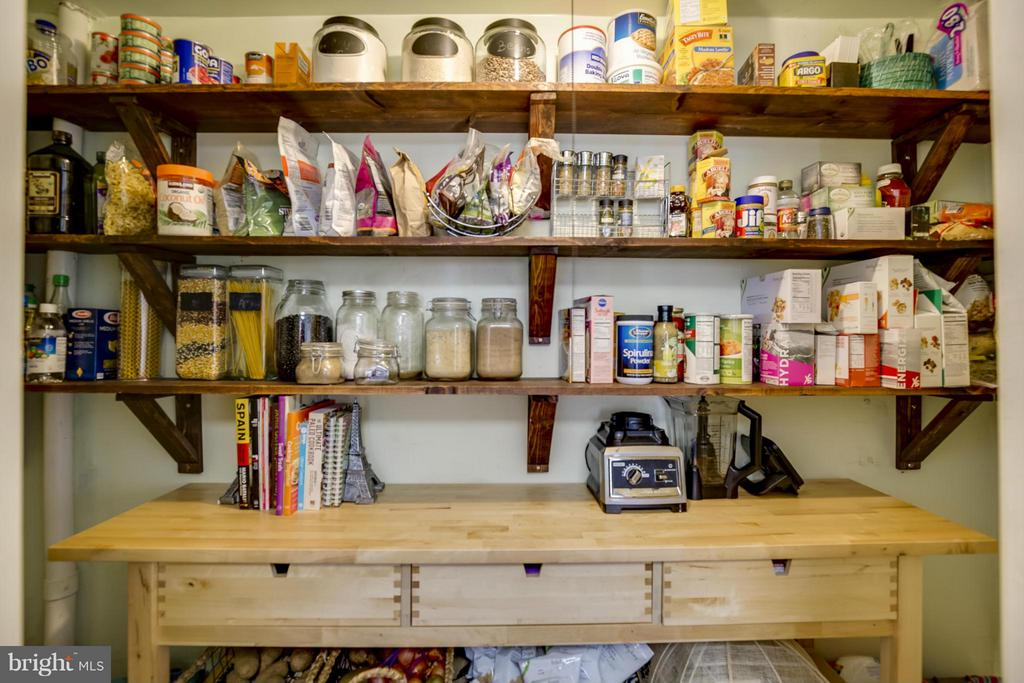Interior View of Pantry - 4017 COLONIAL AVE, ALEXANDRIA