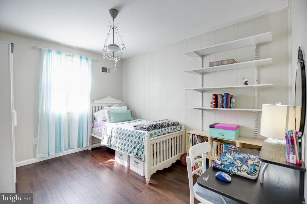 Bedroom 2 w/Hardwood Floors - 4017 COLONIAL AVE, ALEXANDRIA