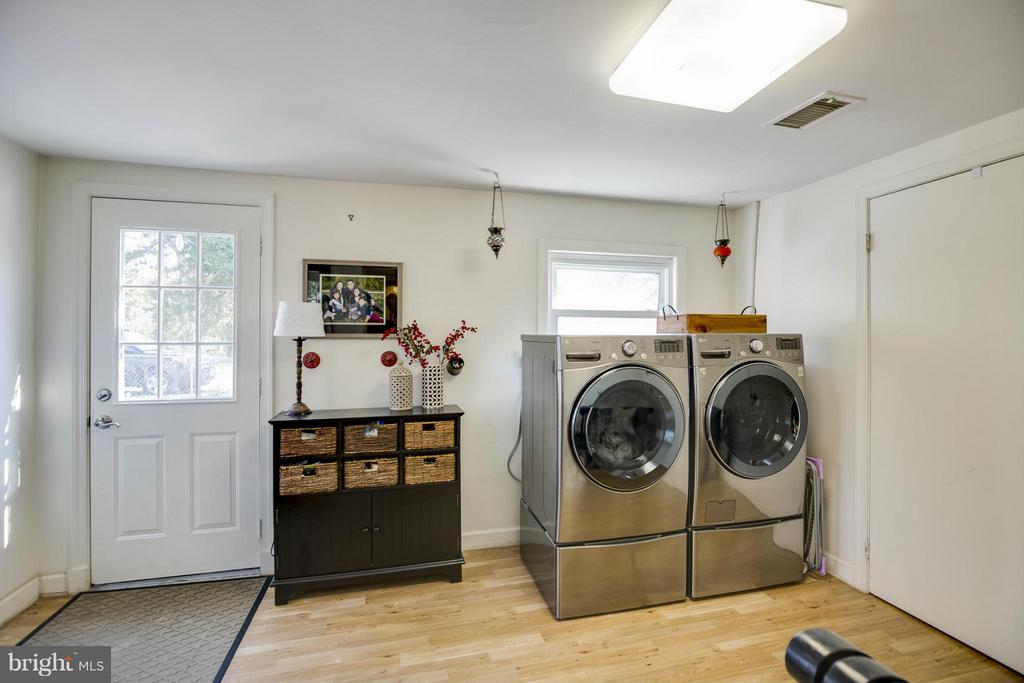 Mud Room/Laundry Area - 4017 COLONIAL AVE, ALEXANDRIA