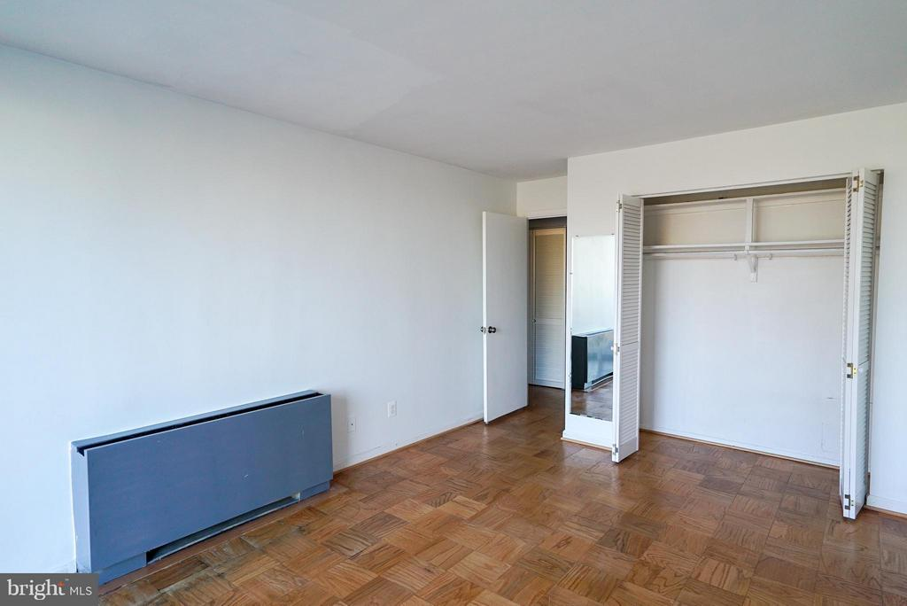 Excellent closet space in master bedroom - 4343 LEE HWY #203, ARLINGTON