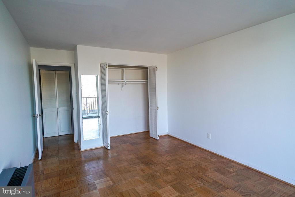 Master bedroom - 4343 LEE HWY #203, ARLINGTON