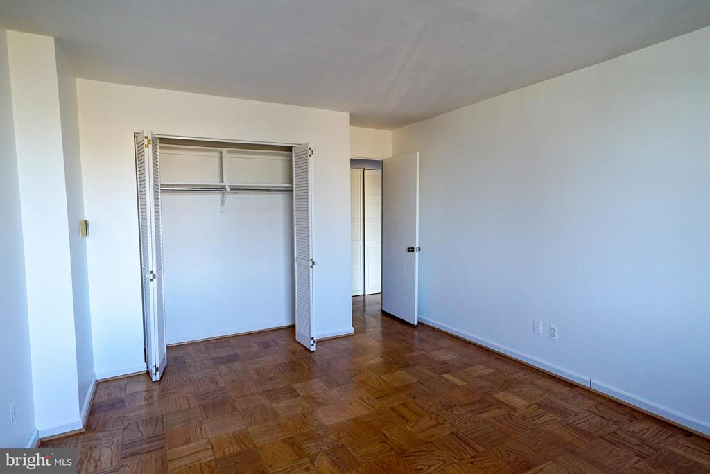 Second bedroom with great closet space - 4343 LEE HWY #203, ARLINGTON