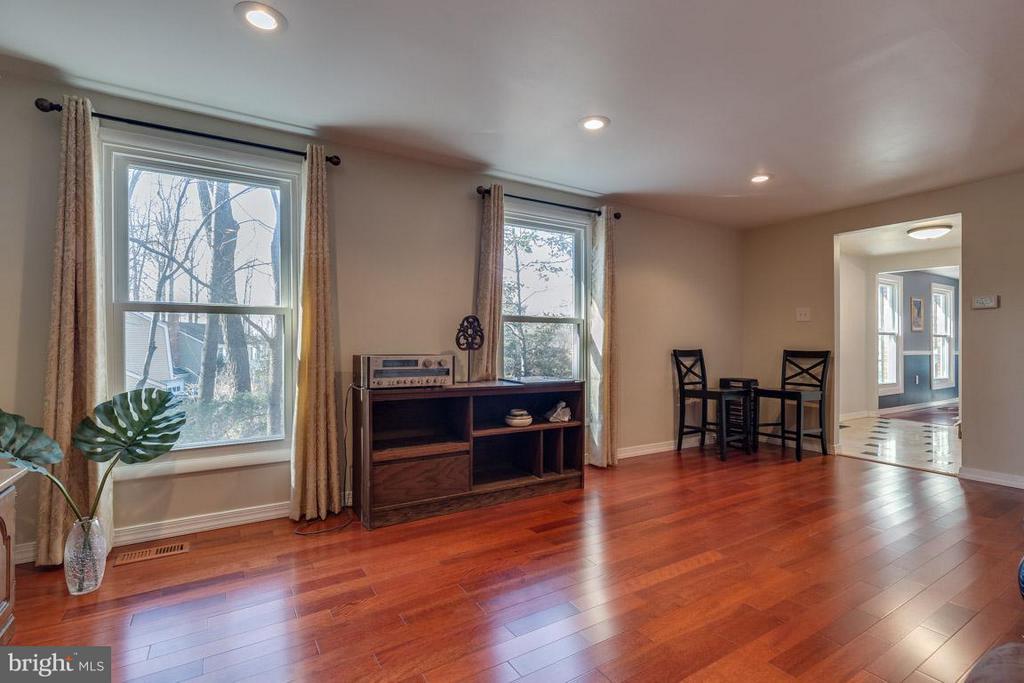 Living Room - 2285 DOSINIA CT, RESTON