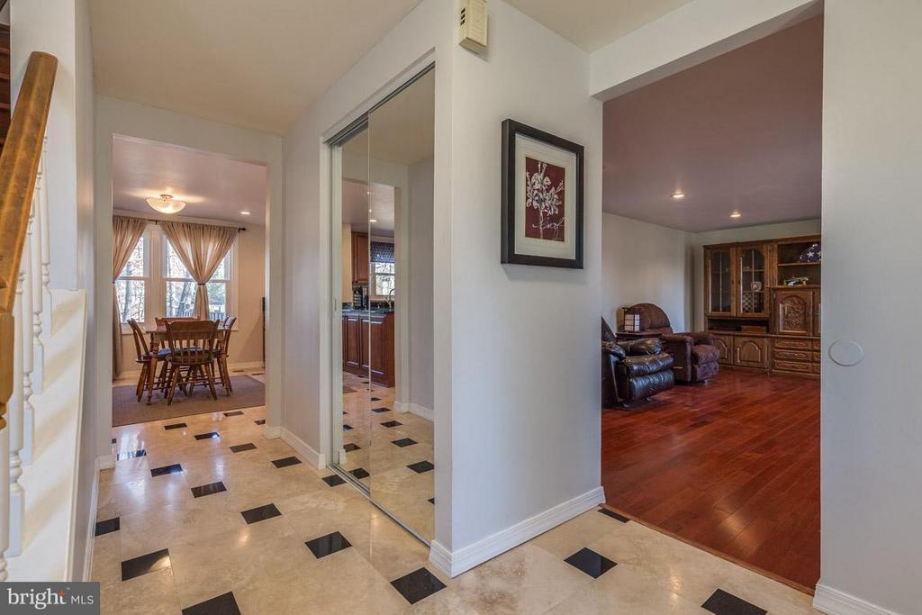 Foyer with natural stone floors - 2285 DOSINIA CT, RESTON