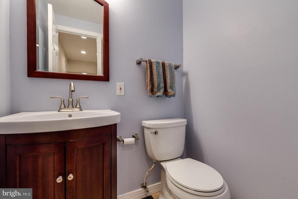 Updated Powder room - 2285 DOSINIA CT, RESTON