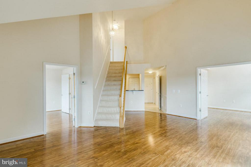 Living Room - 1321 ADAMS CT N #402, ARLINGTON