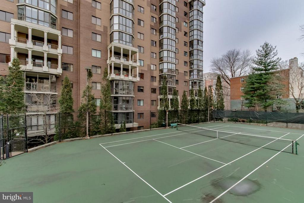 Tennis at the Belvedere - 1600 OAK ST N #406, ARLINGTON