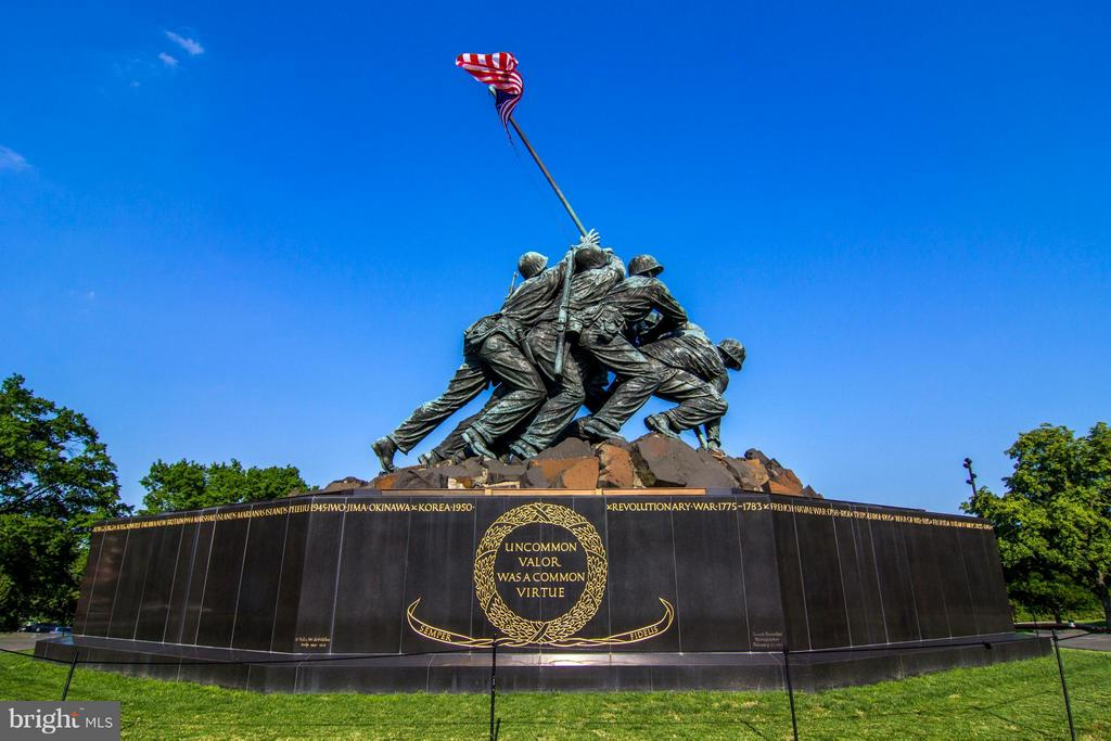 Iwo Jima Memorial overlooking Washington DC - 1600 OAK ST N #406, ARLINGTON