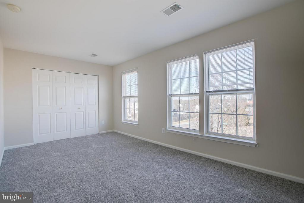 Large 2nd Bedroom - 4540 PAPILLION CT, FREDERICKSBURG