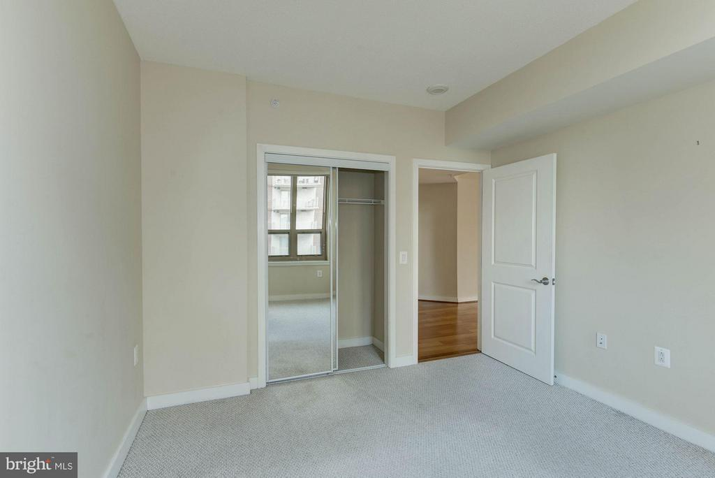 Bedroom 2 - 888 QUINCY ST #1401, ARLINGTON