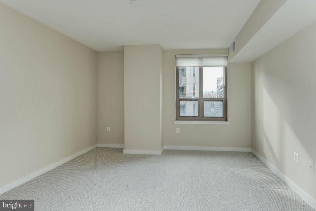 Bedroom (Master) - 888 QUINCY ST #1401, ARLINGTON