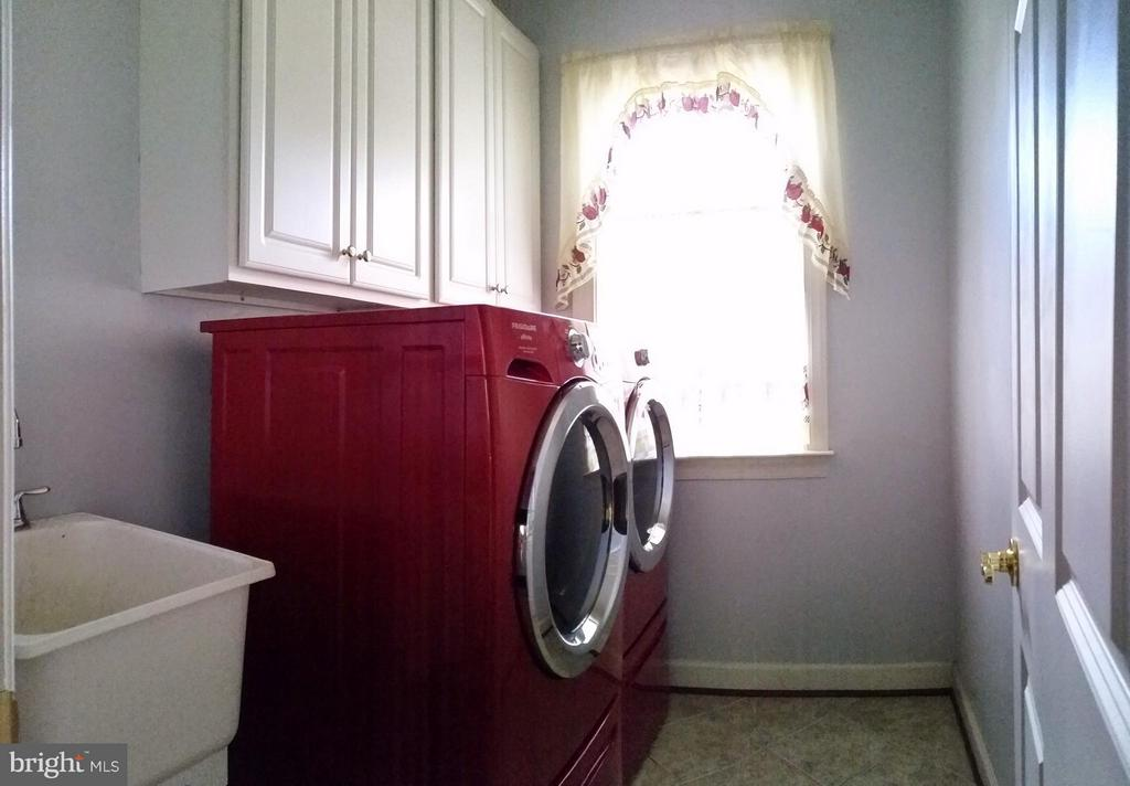 Interior (General) Laundry - 3609 STONEWALL MANOR DR, TRIANGLE
