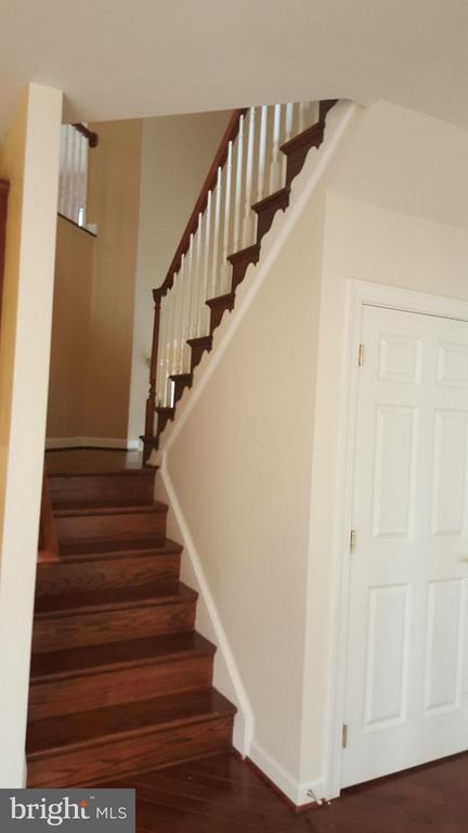Two Separate Staricases - 3609 STONEWALL MANOR DR, TRIANGLE