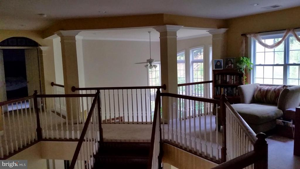 Elegant open and inviting - 3609 STONEWALL MANOR DR, TRIANGLE