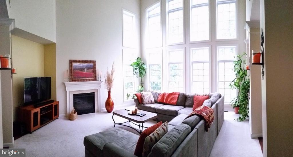 Large bright sunny room - 3609 STONEWALL MANOR DR, TRIANGLE