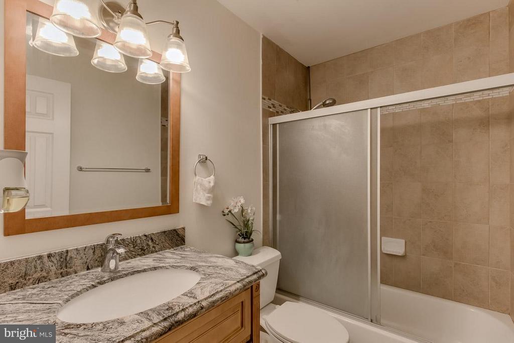 Bath - 7836 MARCONI CT, SPRINGFIELD